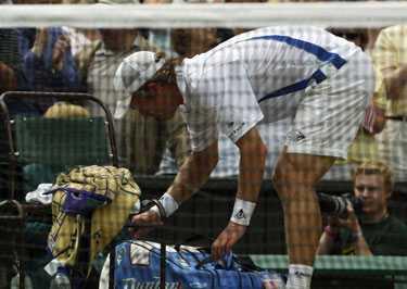 TACK FÖR underhållningen Sagan om Thomas Johanssons äventyr i Wimbledon tog slut i semifinalen. Andy Roddick blev aningen för svår.