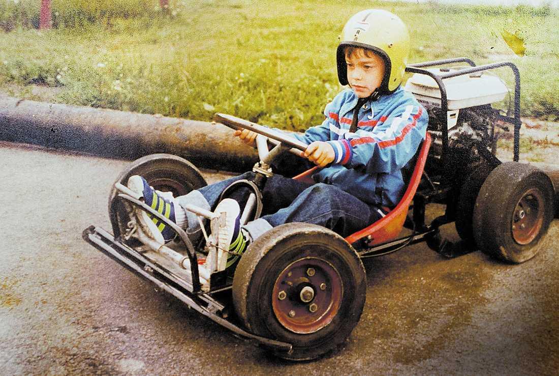 ÅKER GO-CART Här fyller Christian von Koenigsegg fem år och får åka go-cart med kompisarna som present.