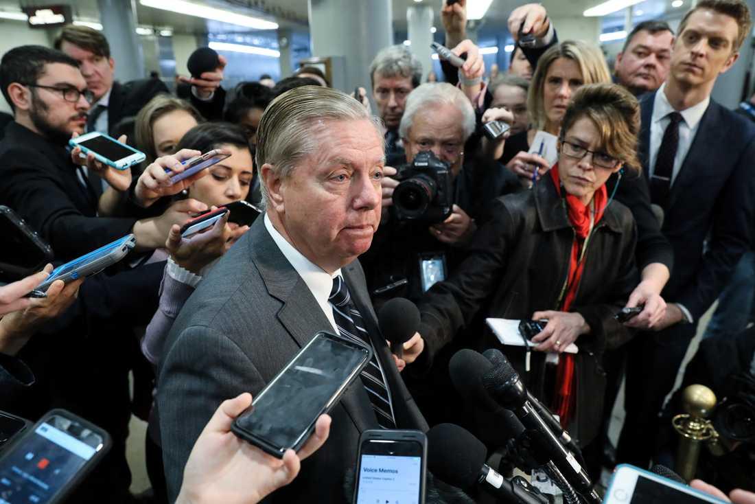 Lindsey Graham möter pressen efter mötet med CIA-chefen Gina Haspel.