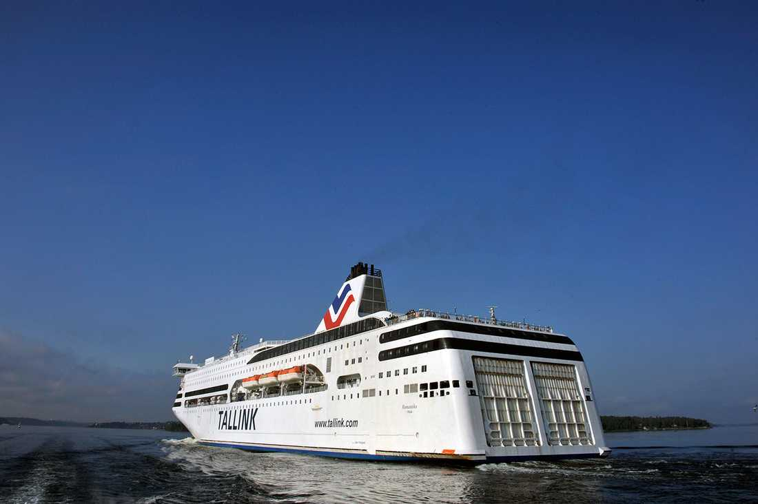 Tallinkfartyget Romantika tog in vatten.