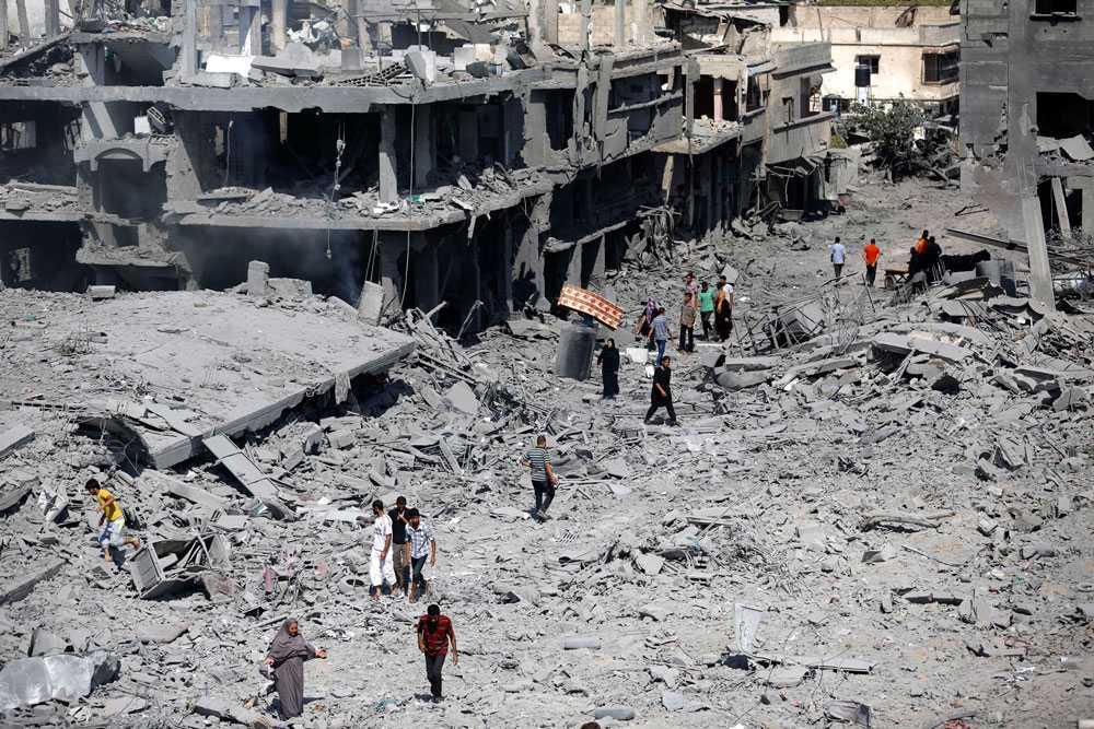 Under vapenvilan gick Gazaborna ut för att gräva fram döda ur rasmassorna och skaffa förnödenheter.