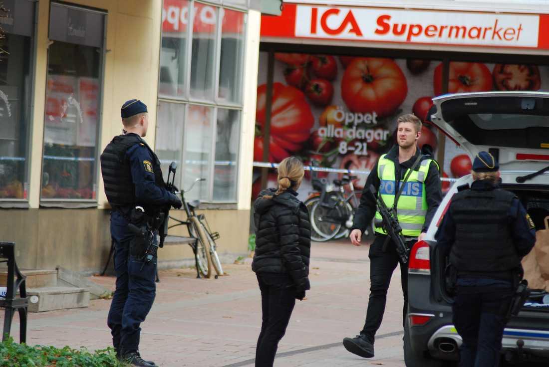 Åtvidabergs sparbank utsattes idag kl 14:57 för ett väpnat rån.