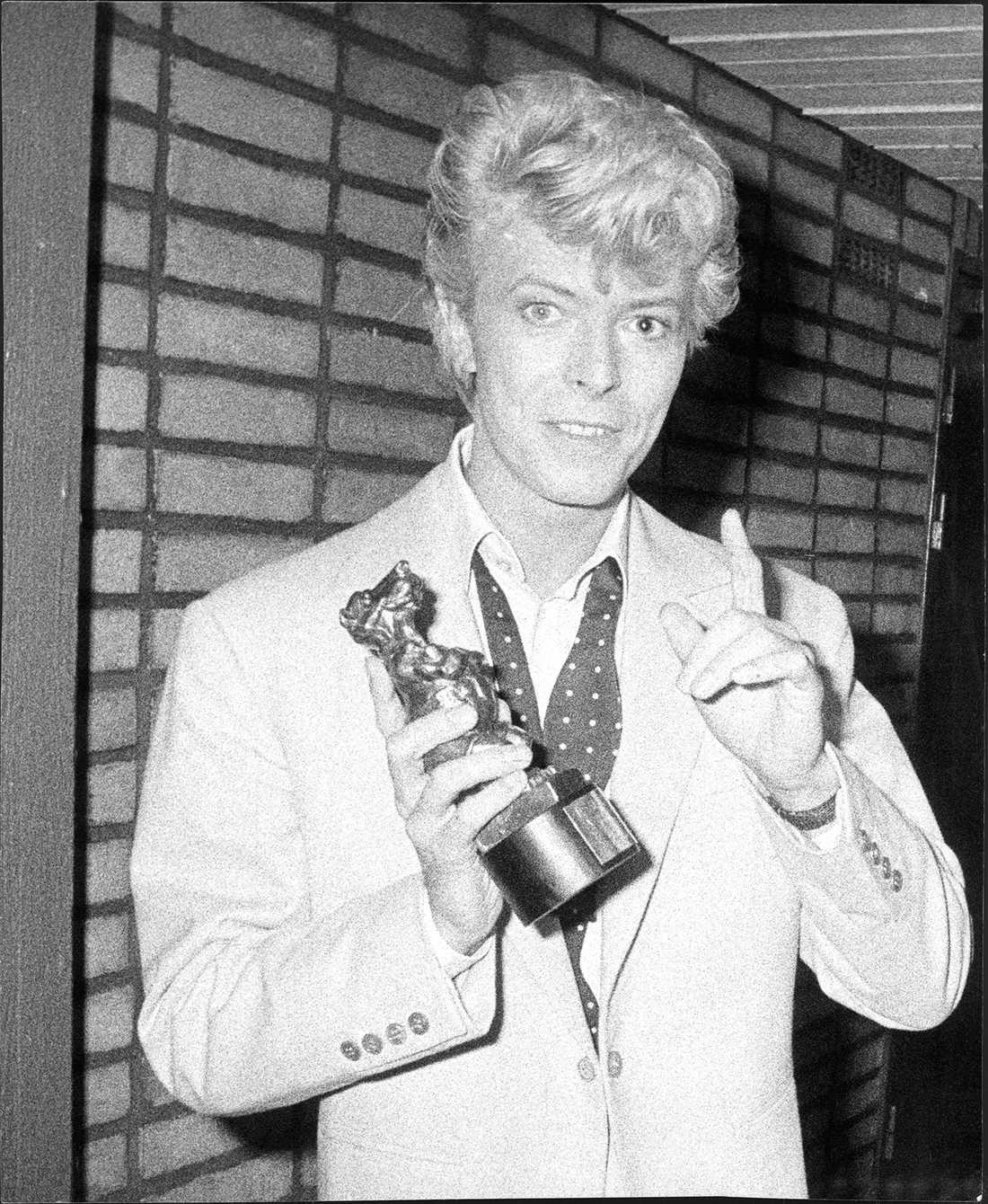 """David Bowie får 1983 en Rockbjörn i kategorin """"Årets utländska artist""""."""