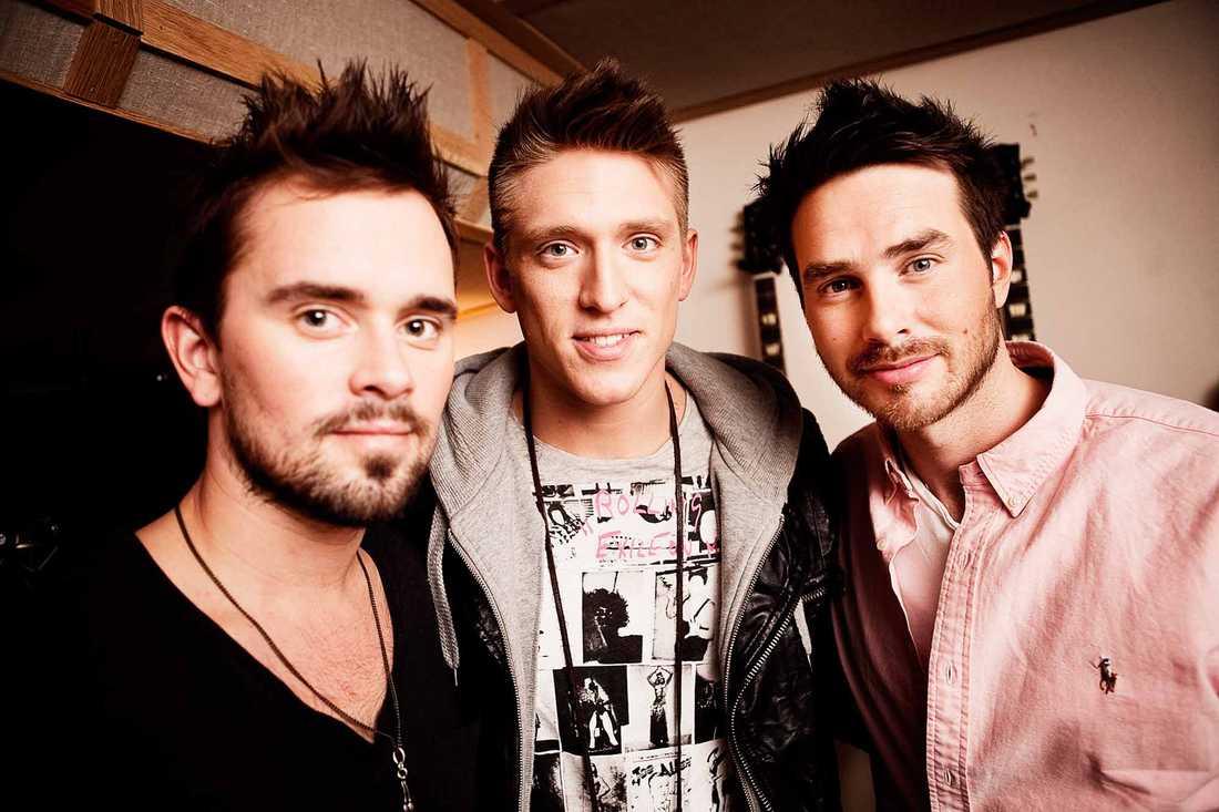 Danny Saucedo bildade med Erik Segerstedt, och Mattias Andréasson gruppen EMD.