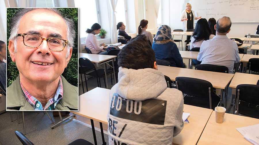 I mitt arbete som tolk ser jag påtagliga brister och okunskap hos våra myndigheter som ansvarar för integrationen. Samtidigt bevittnar jag orimliga förväntningar och en felaktig bild av Sverige och det svenska samhället från de nyanlända, skriver Ali Shafiei. Personerna på stora bilden har inte med texten att göra.