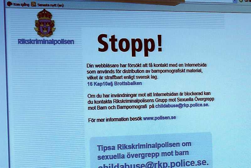 Genom ett samarbete med polisen spärrar svenska internetleverantörer vissa barnporrsajter. Psykologen Christer Olsson menar att även sökmotorer som Google borde sluta länka till porr.