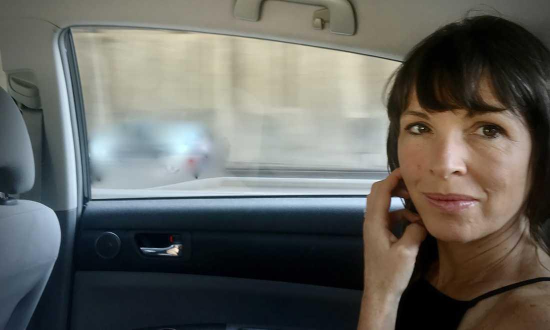 """Rachel Cusk är född 1967 i Kanada, och har fått en internationellt genombrott med trilogin """"Transit"""", """"Kudos"""" och """"Konturer""""."""