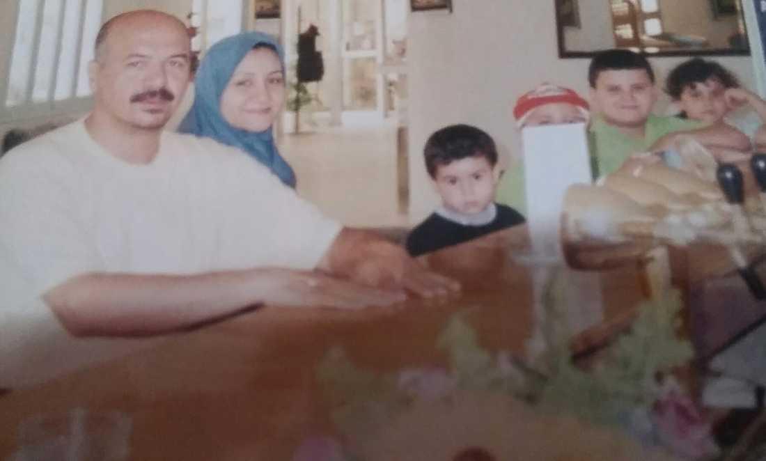 Hela familjen hemma i Tripoli.