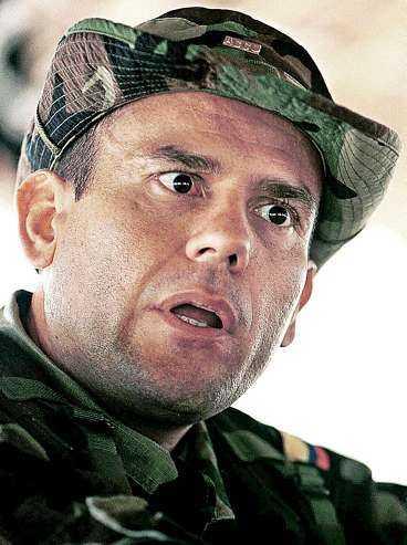 Carlos Castaño - mördaren vars bok blivit bestseller.