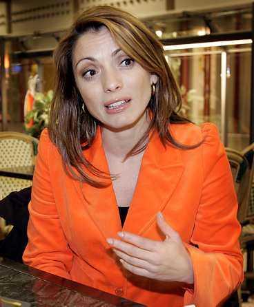 en slump? Alexandra Pascalidous krönika publicerades i Metro den 29 december 2003. Två dagar tidigare kunde man läsa en liknande text i Los Angeles Times.