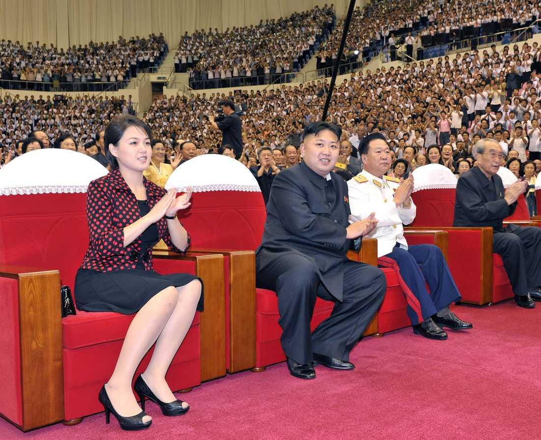 Kim Jong-un med hans fru Ri Sol-Ju.