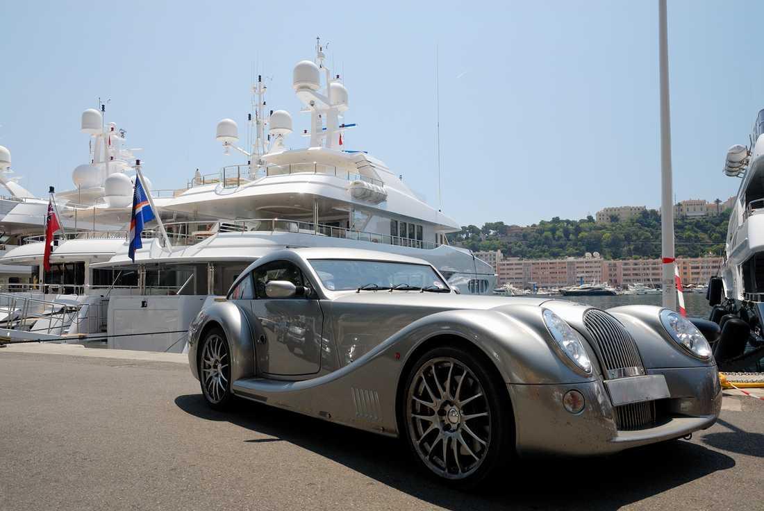 En av alla lyxbilar som rullar runt i Monte Carlo.