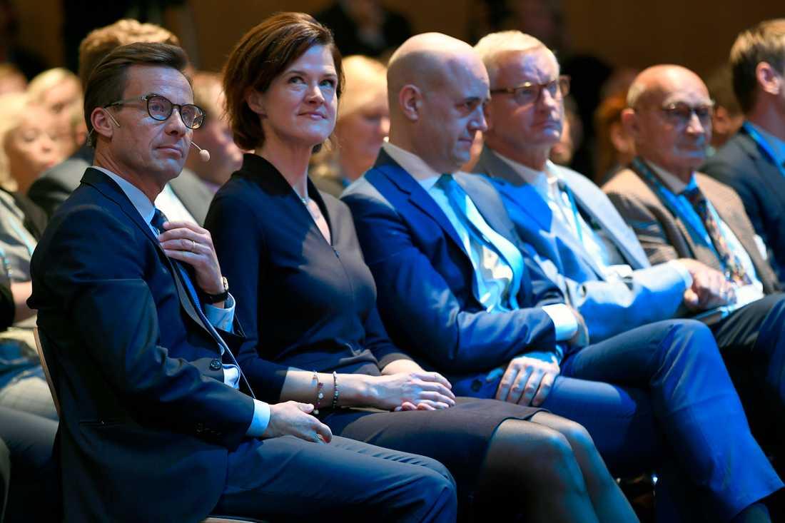 Ulf Kristersson tillsammans med Anna Kinberg Batra, Fredrik Reinfeldt, Carl Bildt och Ulf Adelsohn.
