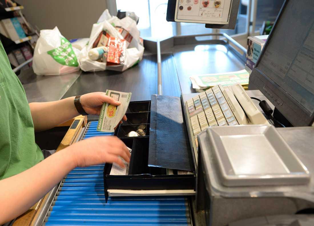 Kvinnan genomförde över 5000 falska radrättningar av kvitton. Arkivbild.