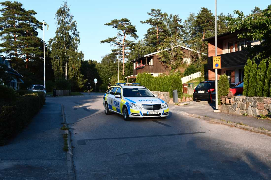 Polisen i området.