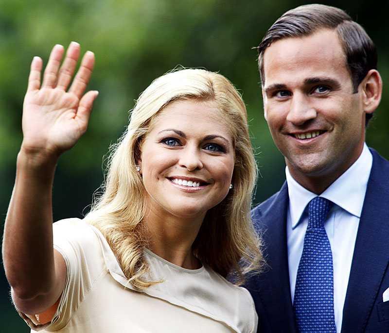 Prinsessan Madeleine förlovade sig med Jonas Bergström 11 augusti i år. Paret bor i dag vid Hovstallet i Stockholm, men vill flytta.