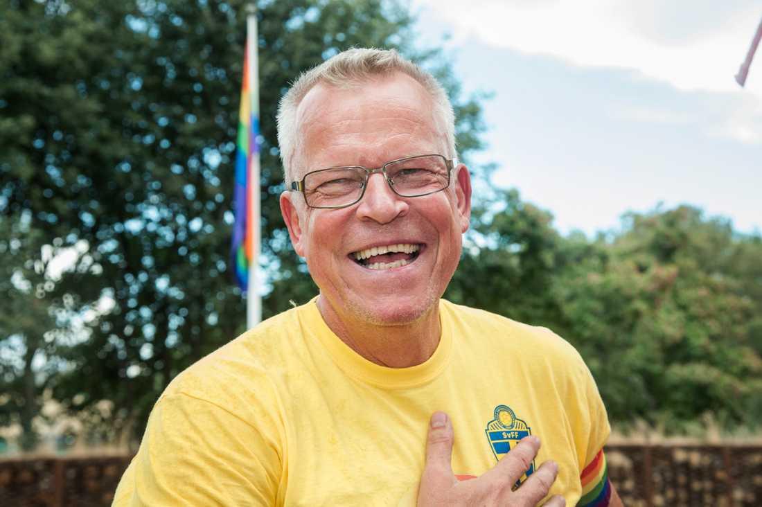 Janne Andersson på Sportbladets Prideflak