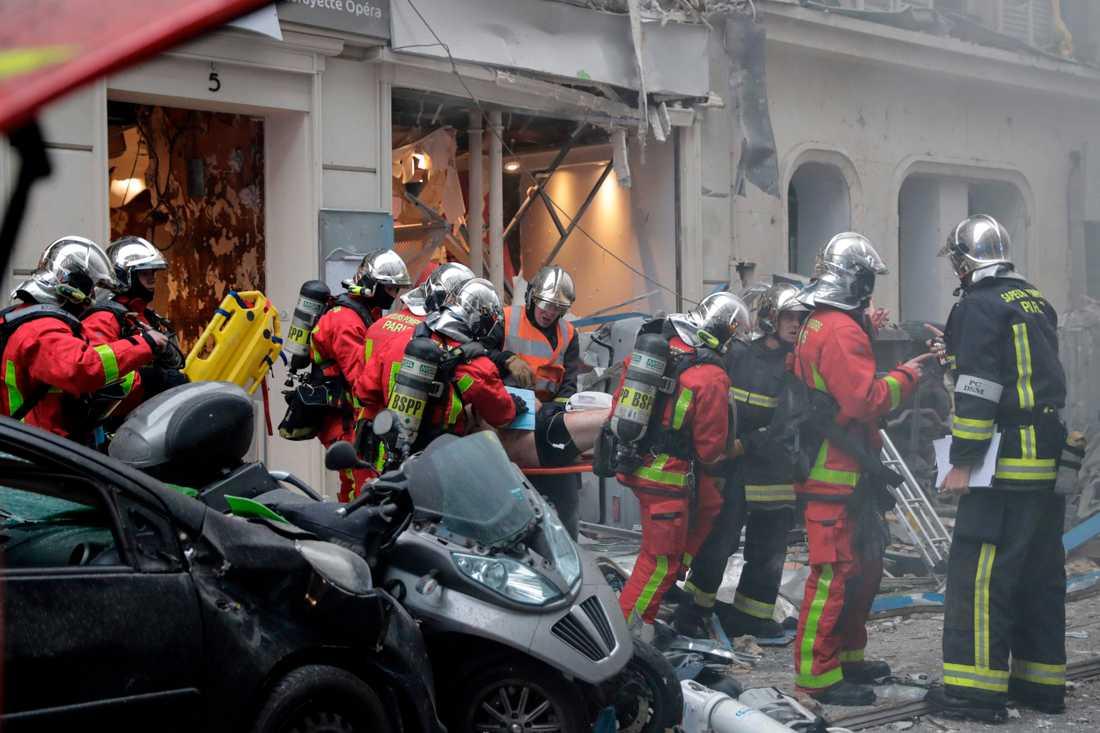 Brandmän i Paris efter explosionen