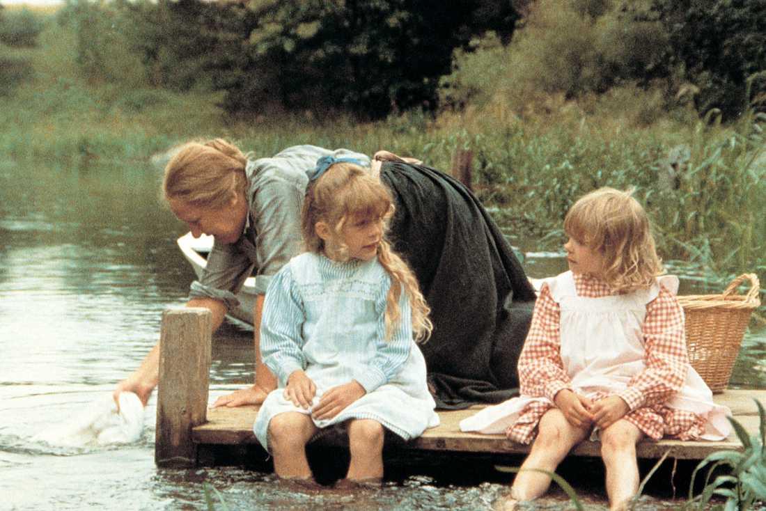 1980: Madicken på Junibacken Som Linus-Ida på bryggan tillsammans med Jonna Liljendahl och Liv Alsterlund.
