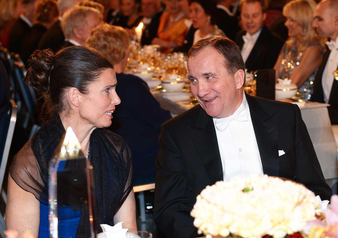 Statsminister Stefan Löfven med Kirsty Duncan Minister Kanada vid honnörsbordet vid Nobelbanketten i Blå hallen.