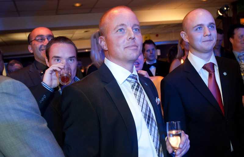 Björn Söder på Sverigedemokraternas valvaka är nöjd med att partiet ser ut att komma in i riksdagen.