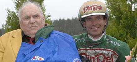 Sören Nordin blev 91 år. Här tillsammans med landets segerrikaste kusk Björn Goop.