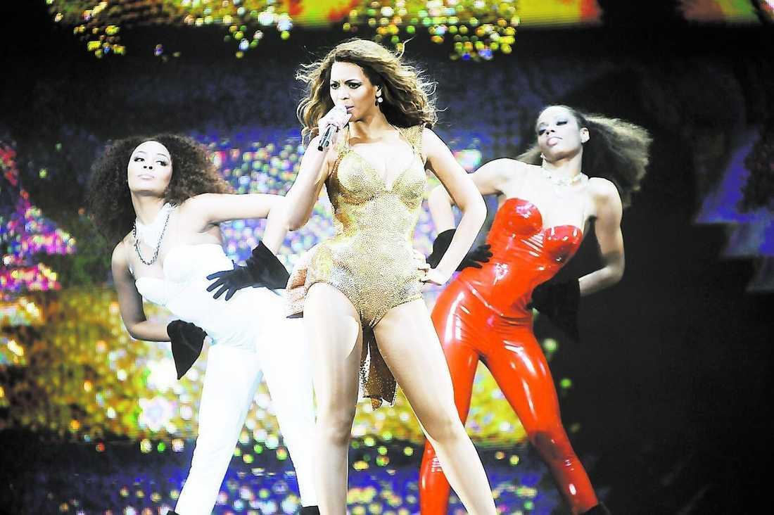 """Beyoncé drar i gång med """"Crazy in love"""" – sedan följer en grym hitparad genom hela showen."""