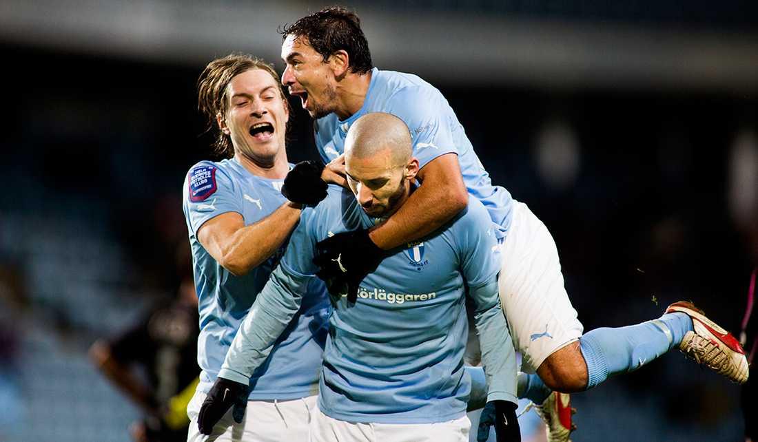 Svenska mästarna Malmö FF tar emot nykomlingen Falkenberg i premiäromgången 30 mars.