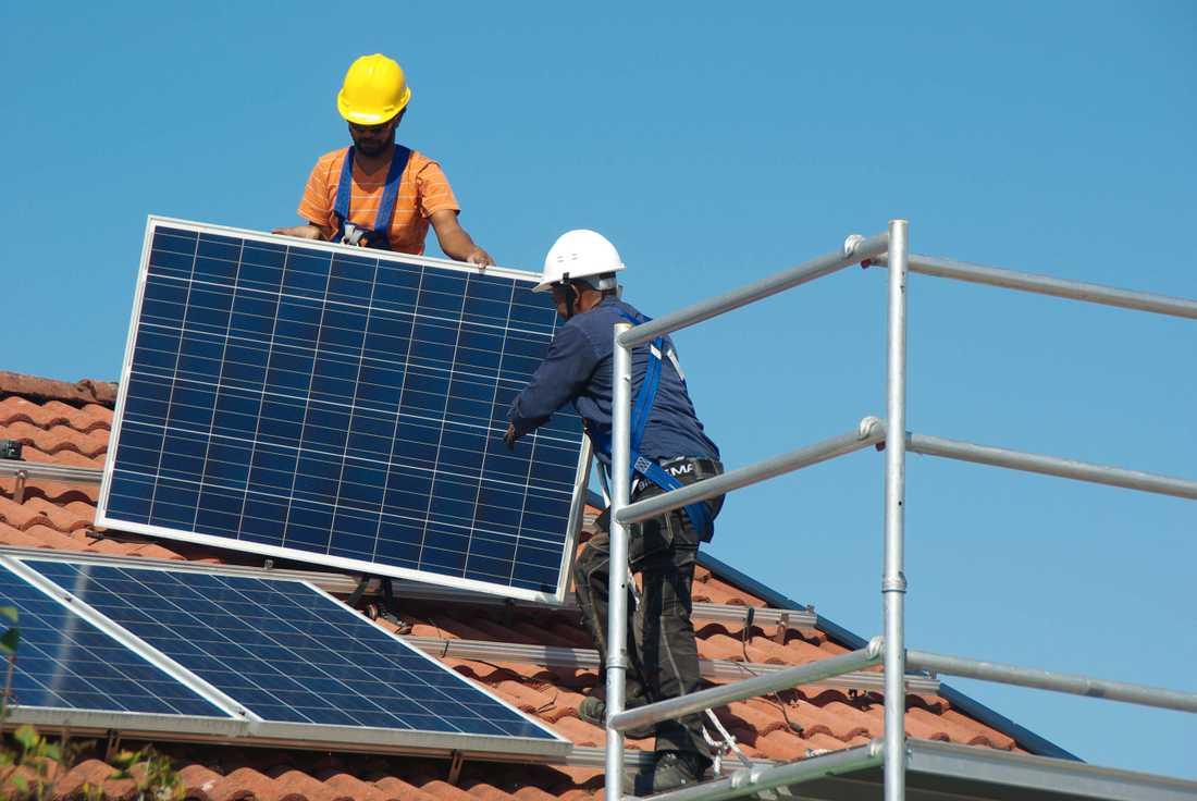 Den 12 augusti plockades solcellerna ner från Örjans bostad i Kungsgärdet i Uppsala.