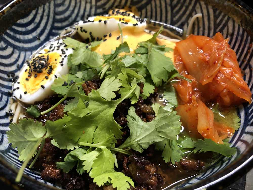 Ramensoppa med fläsk och kimchi
