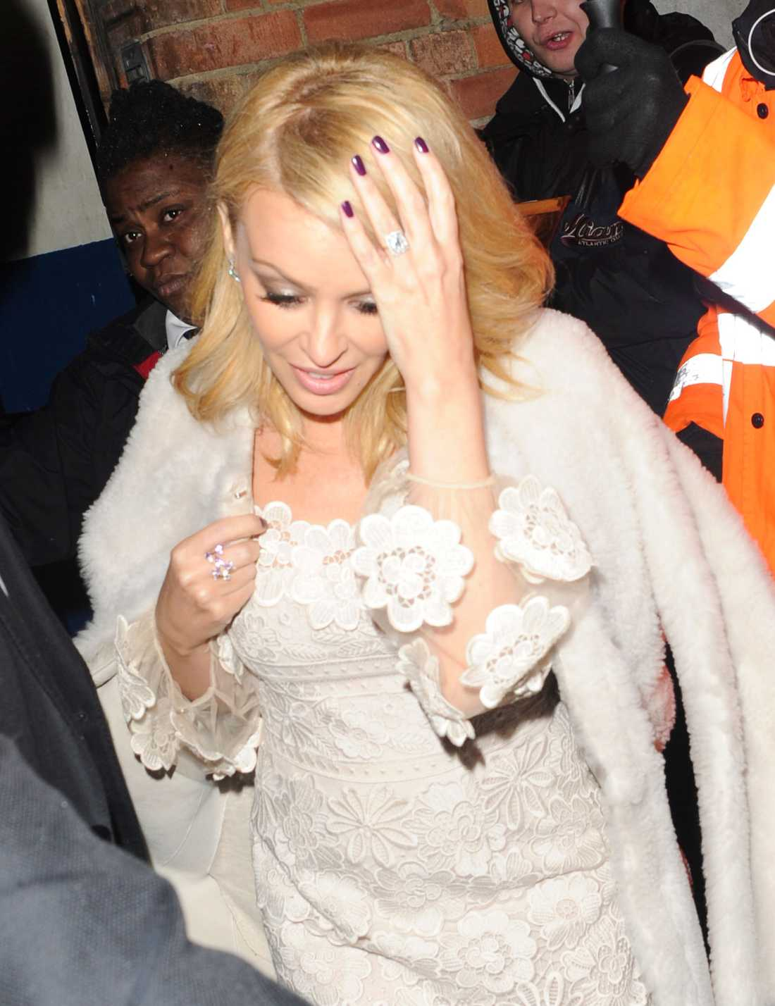 Kylie med ringen.