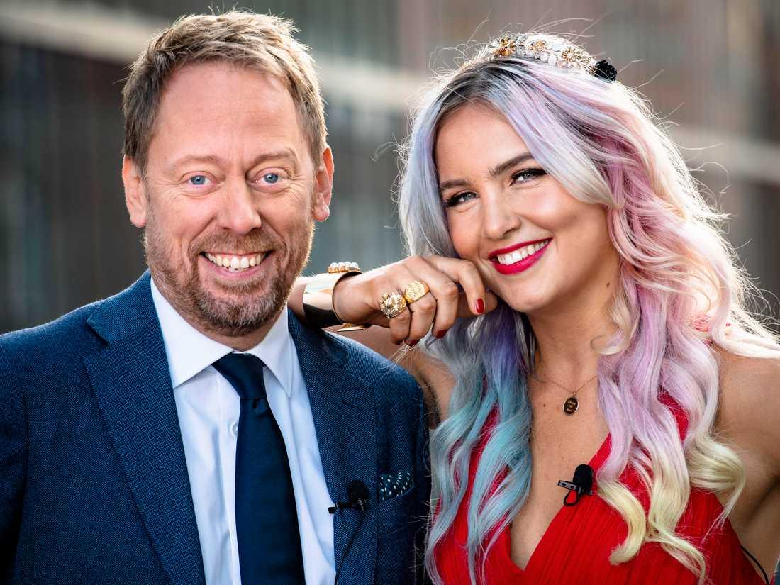 Årets Svenska Hjältar-gala sänds den 18 december klockan 20:00 på Aftonbladet, TV3, Viafree och Viaplay och leds av Peter Settman och Linnéa Claeson.