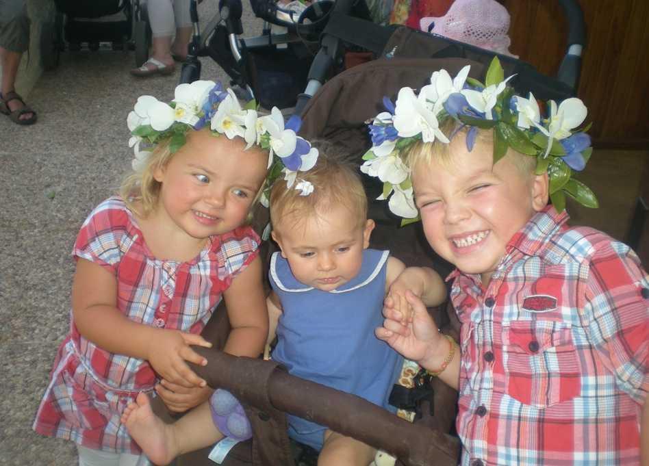 Så här firade Isabel, Alva och Viktor midsommar på Gran Canaria, skriver Annika.