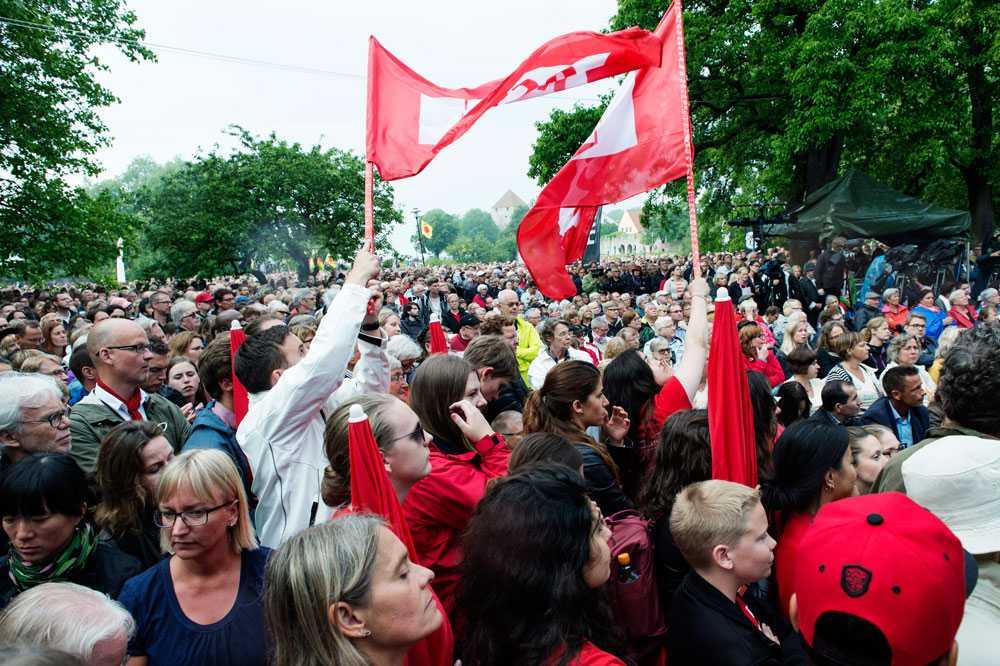Löfven drog en stor publik under sitt tal i Almedalen i går.