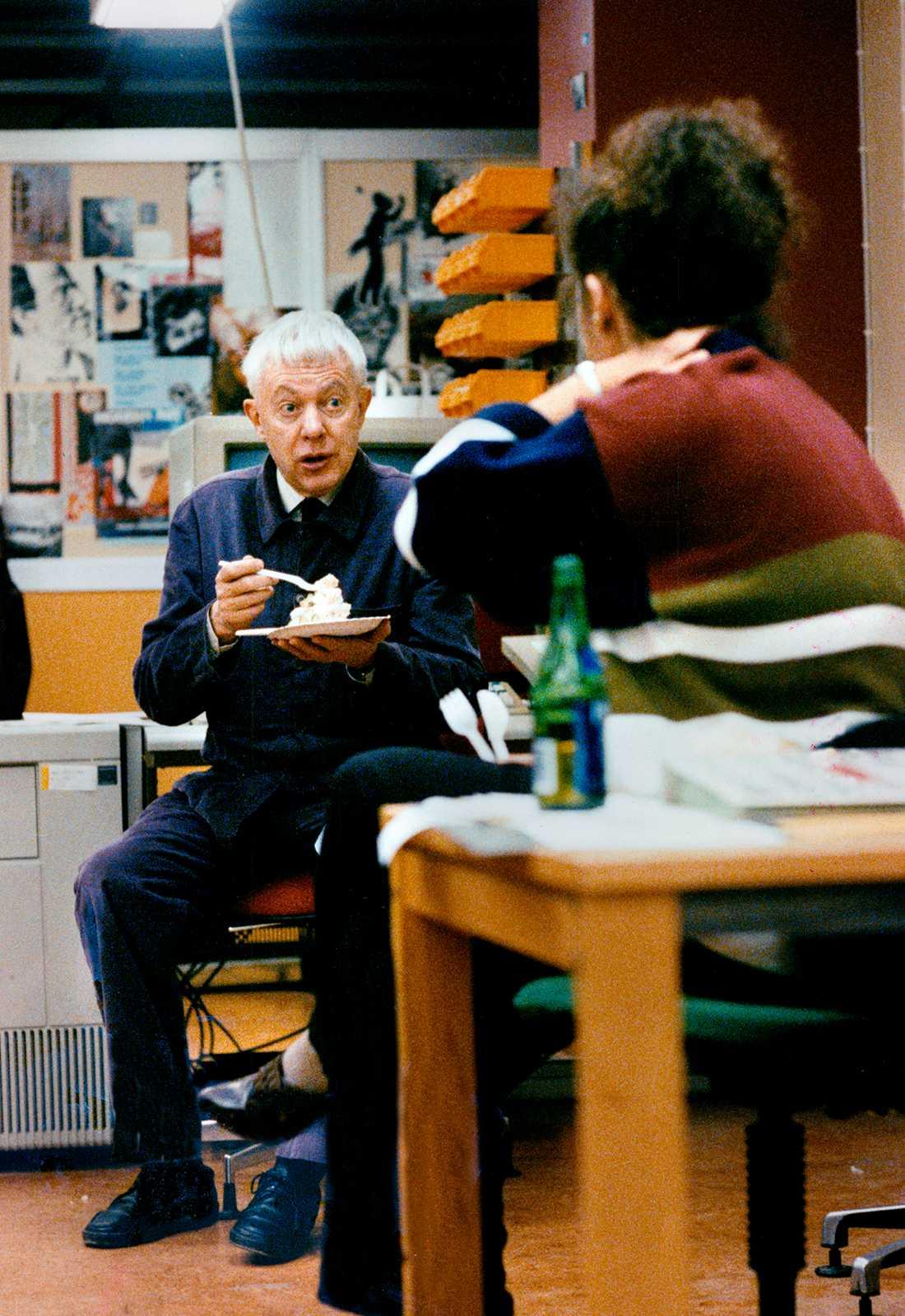 """Sigvard """"Sillen"""" Lindström på bild under sista natten då Aftonbladet låg i Klarakvarteren i centrala Stockholm."""
