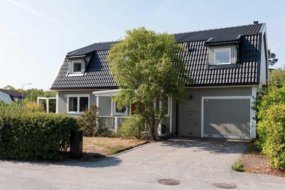 Huset på Lidingö bjuds ut för 11,9 miljoner kronor.