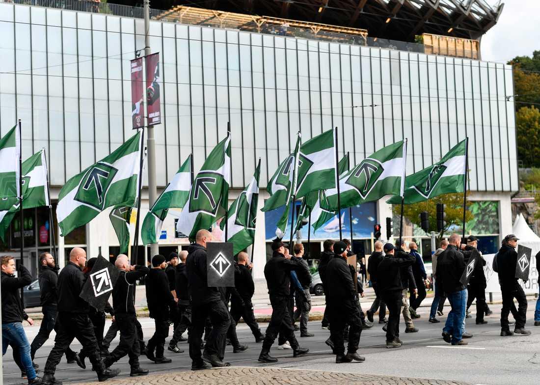 Den 17 september demonstrerade ett 50-tal nazister olovligt i Göteborg.