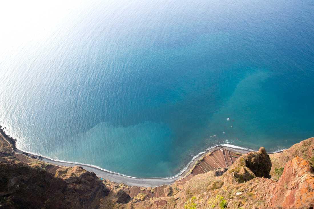 Madeira kan drabbas av Leslies vrede. Arkivbild från öns sydkust.