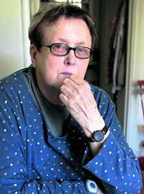avled efter hjärtinfarkt Författaren Kerstin Thorvall avled i förrgår eftermiddag av en hjärtinfarkt. Den sista tiden tillbringade hon på ett ålderdomshem på Reimersholme i Stockholm, svårt demenssjuk. Thorvall blev 84 år.