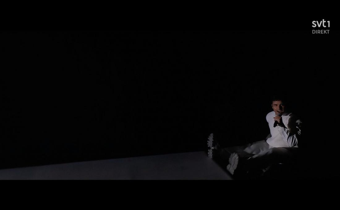 Dansaren Benke Rydman drog Eric Saade baklänges som ett prank.