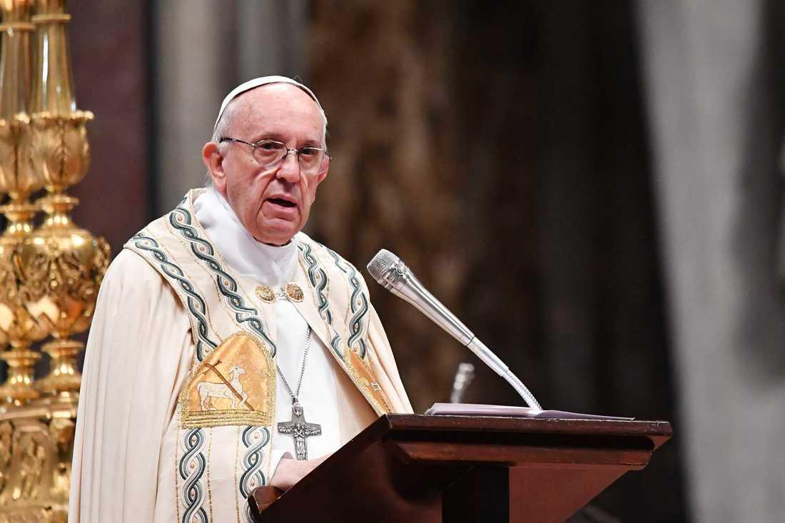 Påven ska ha erbjudit familjen att ta Charlie till ett sjukhus i Vatikanen för att få den hjälp han behöver.