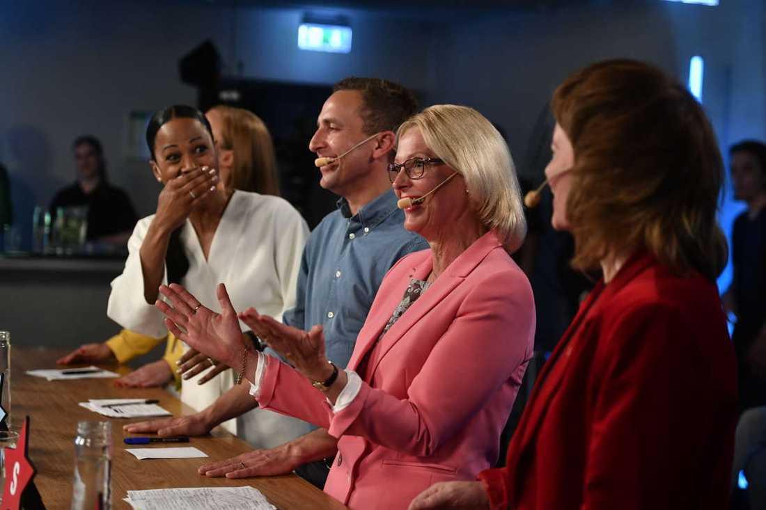EU-kandidaterna bröt ihop i skratt