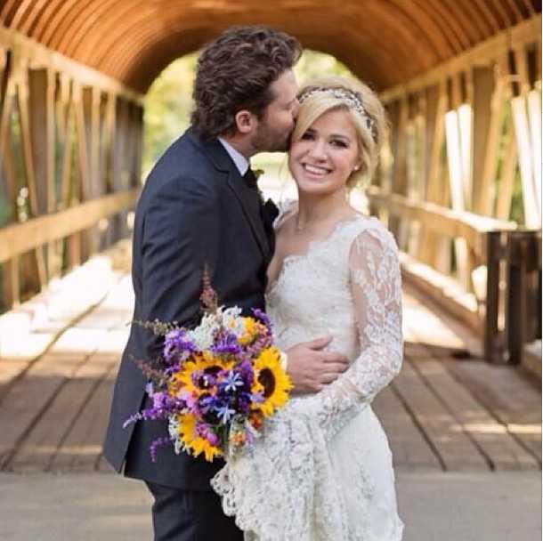 Kelly Clarkson nygift med kärleken Brandon Blackstock.