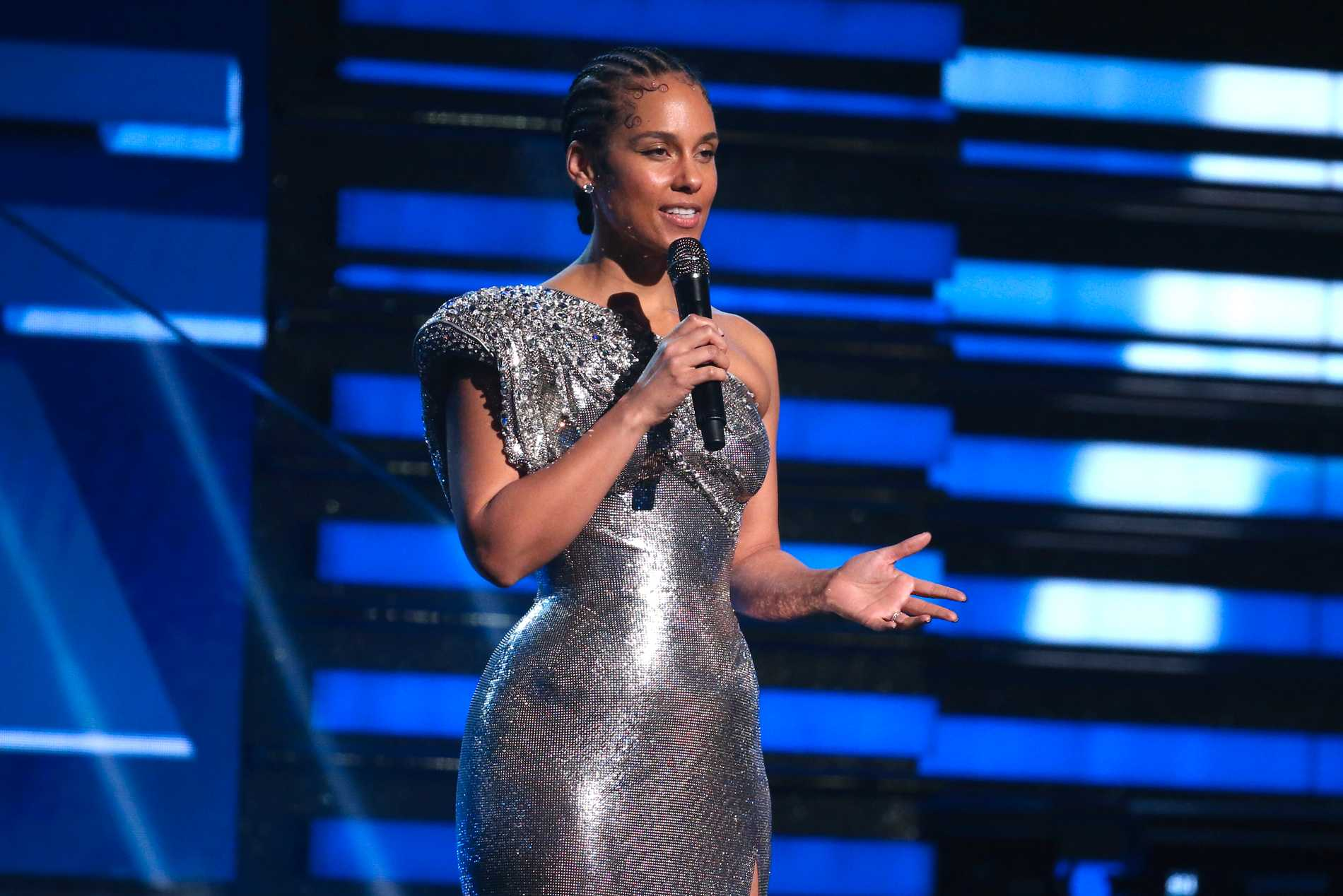 Alicia Keys flyttade sina sommarkonserter ett år framåt i tiden. Nu väntas hon till Globen i Stockholm 15 juni.