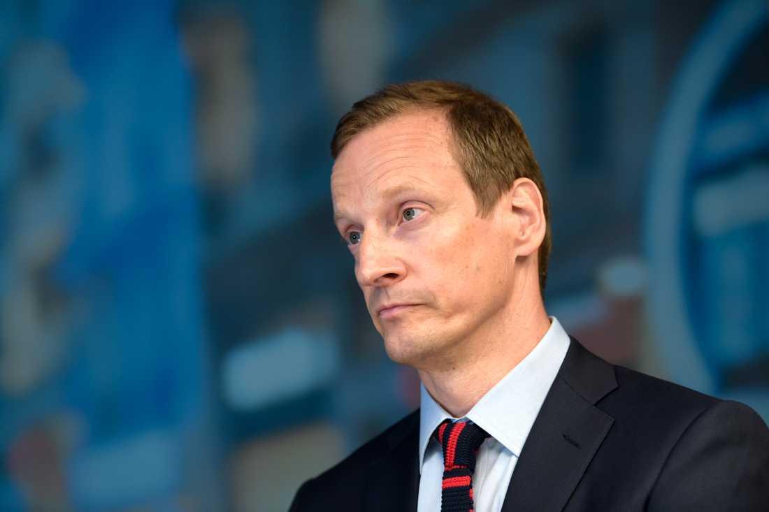 Moderaternas vice partisekreterare Anders Edholm har tagit upp falsk information som sprids om partiet med valobservatörer från OSSE. Arkivbild.