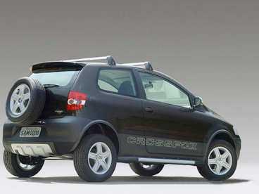 VW Cross-Fox Kommer: december. Lågpristrend. Samma som Cross-Polo, fast byggd i Brasilien.