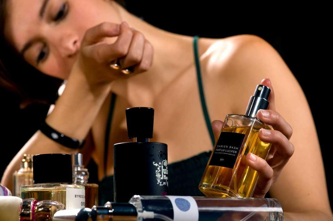 Malin Wollin är på jakt efter en ny parfym.