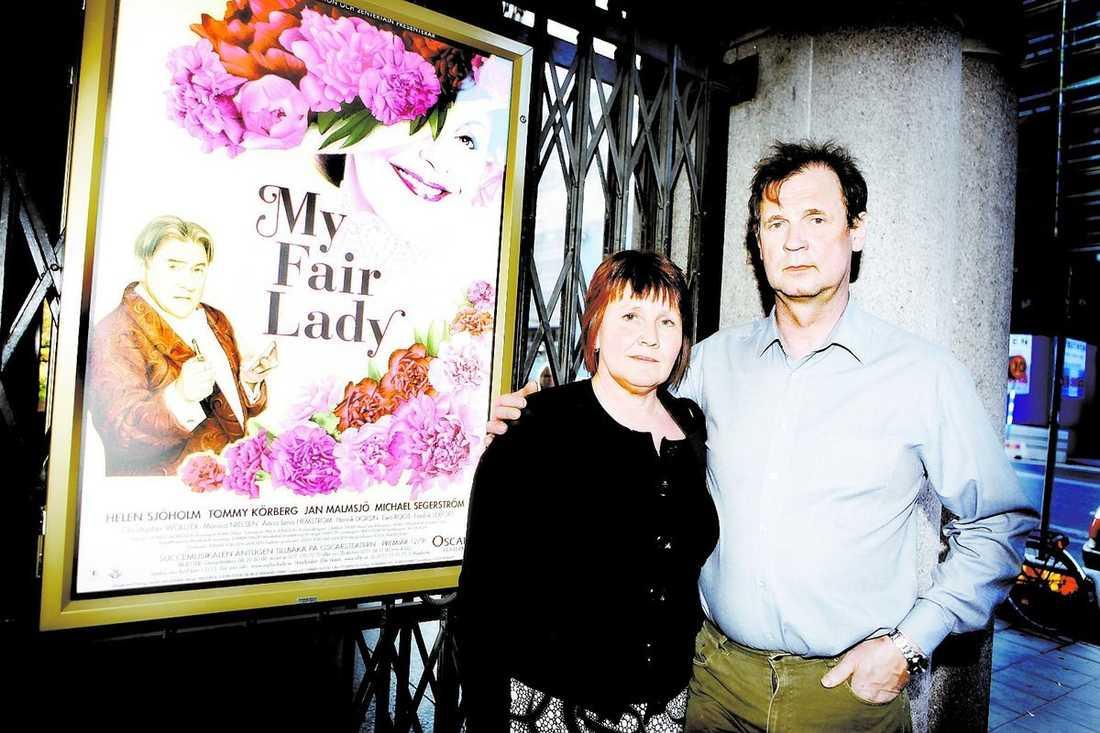 """""""Hade vi vetat hade vi ställt in, jag tycker det är att luras att de inte annonserar"""", säger Liselott, 50, och Kjell Hansson, 53, ett par som åkt 110 mil från Boden för en nöjeshelg med """"My fair lady""""."""
