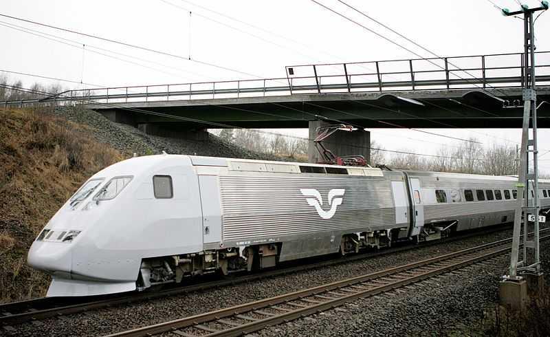 SJ:s X-2000 som trafikerar i Sverige sedan 1990-talet. Toppfart 200 km/h.