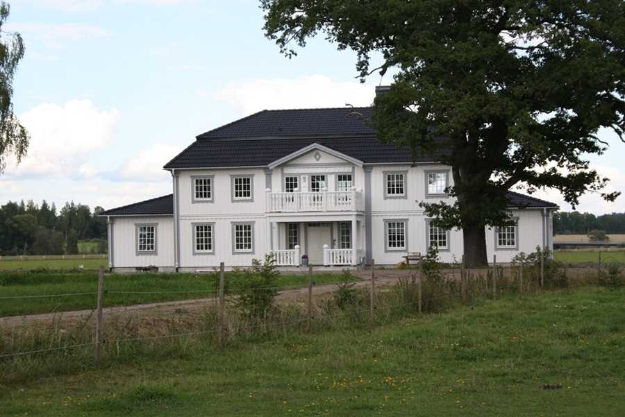 20 000 000 kronor Gård i Frötuna, Örebro län.